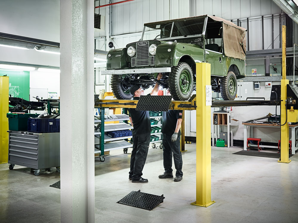 stories Land Rover, Reborn photography